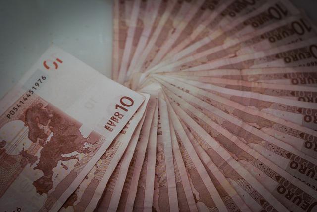 Kredyt dla pracujących za granicą – poradnik