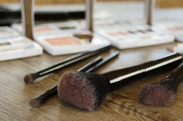 Naturalne i mineralne kosmetyki do makijażu