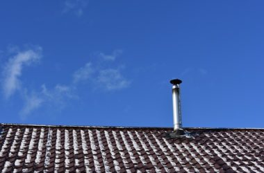 Poznaj rodzaje nasad wentylacyjnych stosowanych na kominach